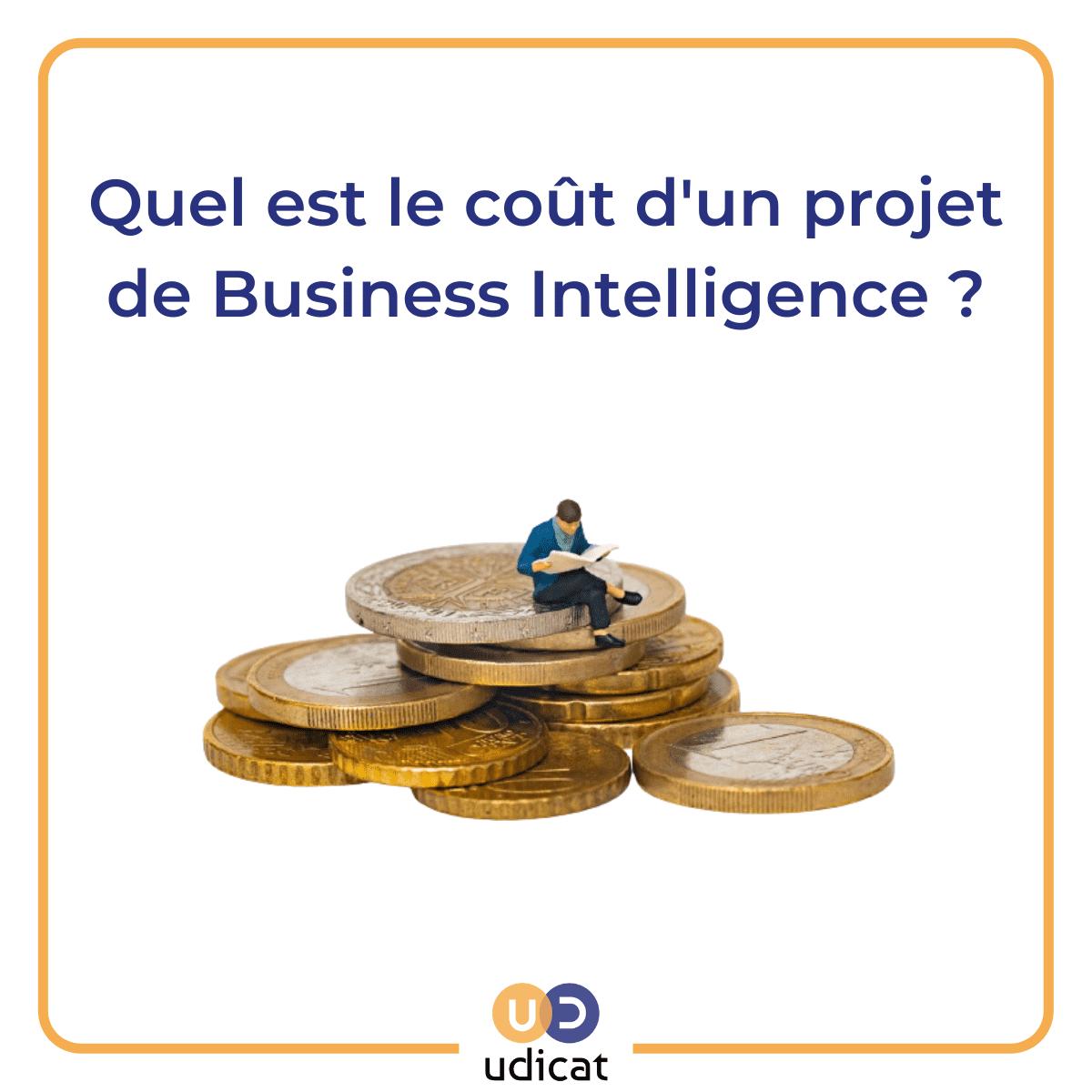 Image montrant un homme lisant un livre, assis sur des pièces de monnaie, avec pour titre quel est le coût d'un projet de Business Intelligence ?